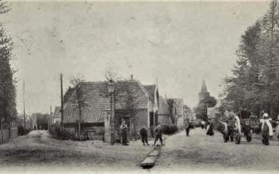 Dorpspomp kruising Maandereind Nieuwe Stationsstraat onthult.